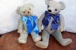 Voici mon ours Figaro un ours bleu que j'aime beaucoup reçu il y a quelques jours