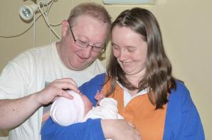 ma princesse avec nous ces parents et aussi sur une foto avec sa mamie (la maman de son papa)