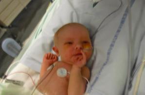 Cloé a sa naissance ainsi que quelques jours apres^^