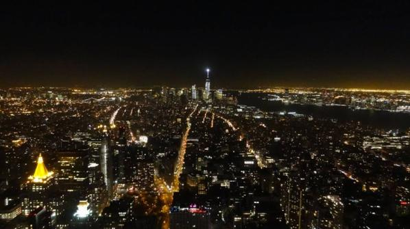 Empire State Building vue sur Manhattan de nuit