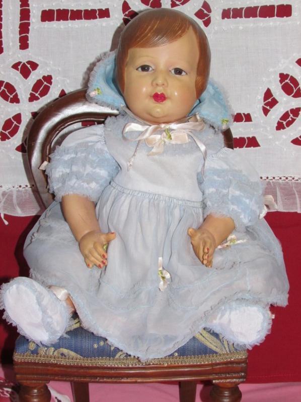 Jolie poupée celluloïd de Petitcollin avec ses habits d'origine