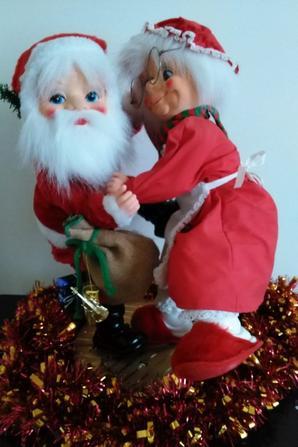 Le Père et la Mère Noël dansent !!!