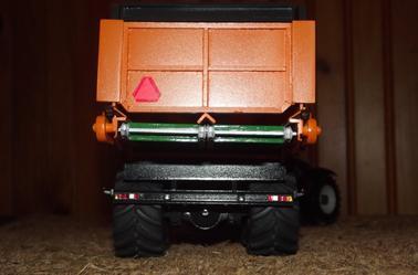 Sortie d'atelier : Benne élévatrice Dezeure 2 essieux