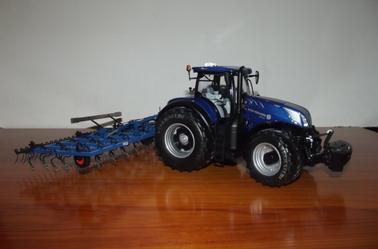 Nouveauté reçu cette semaine : New Holland T7.315 Blue Power Edition Vredestein