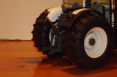 Modification Massey Ferguson 8690 Blanc UH