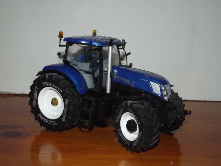 Autre nouveauté dans la collec : New Holland T7.270 Blue Power