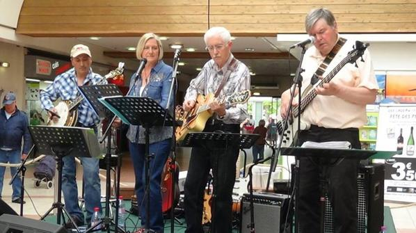Le Lysaa Country Band fait danser Step Country le 20 juin 2015