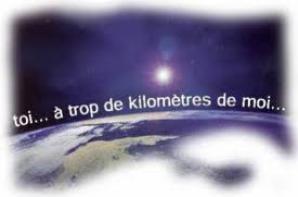 « (_a distance »