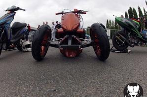 combien de likes et coms pour ce magnifique proto a 3 roue ?
