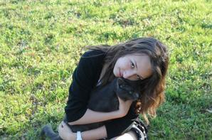 Moi avec Ambre d'amour ♥ et mon chat