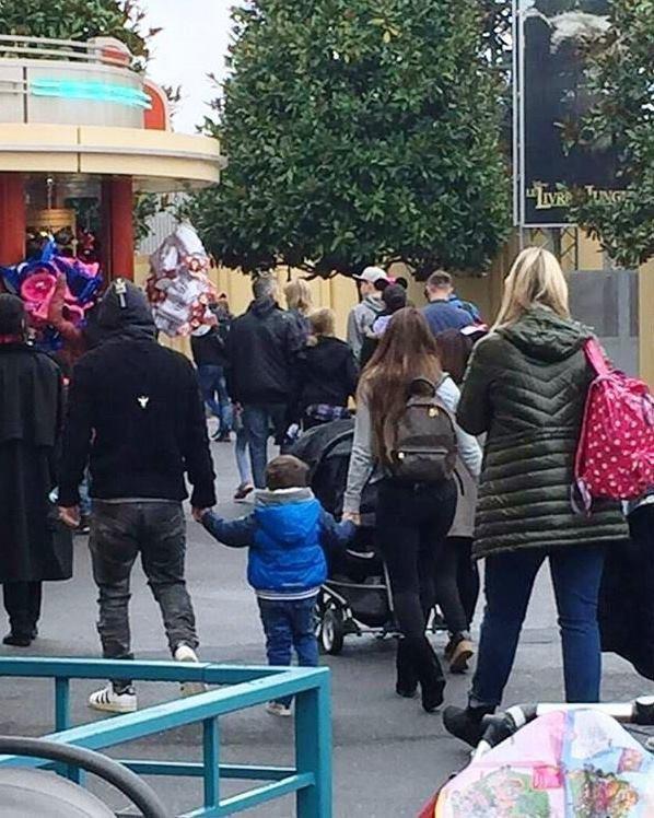 Les familles Messi & Suarez à DisneyLand
