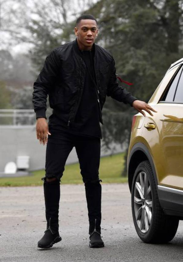 Anthony Martial à Claire Fontaine