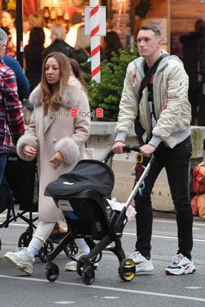Phil Jones & Kaya & leur fille Aliana