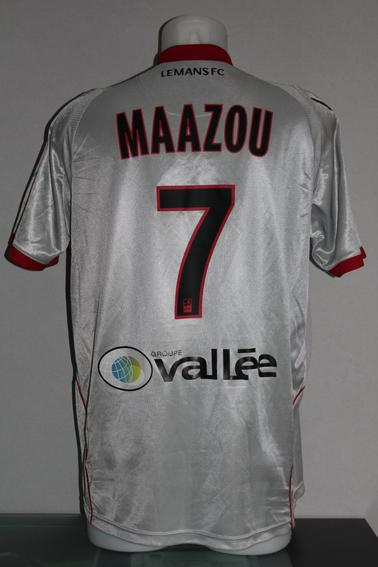 Porté par Maazou