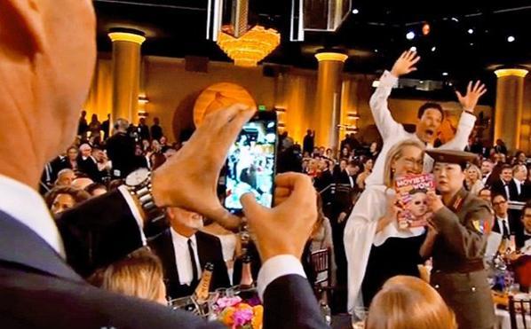 Golden Globes 2015 : le photobomb de Benedict Cumberbatch