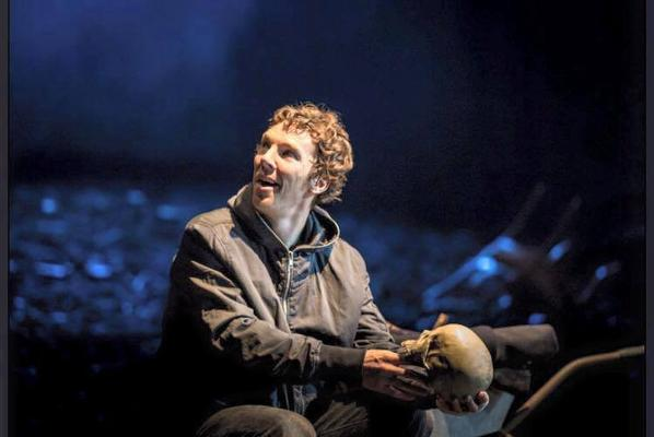 Nouvelles photos de Benedict jouant Hamlet au Barbican Center de Londres