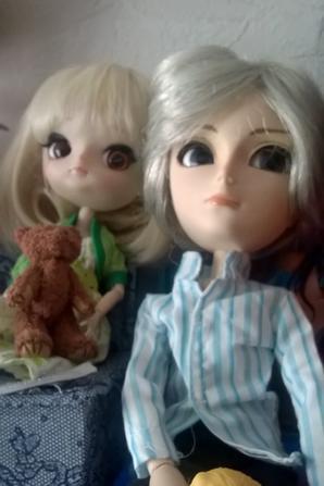 série poupées articulées