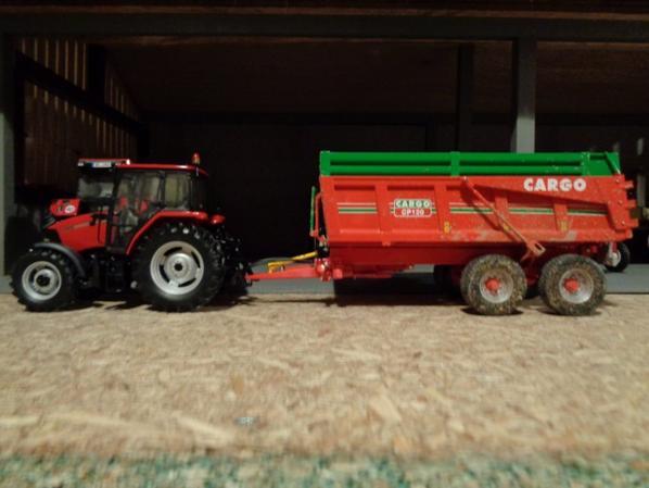 Moisson chez le voisin Bernard avec le CaseIH CX100 et la benne Cargo CP120 12.5T