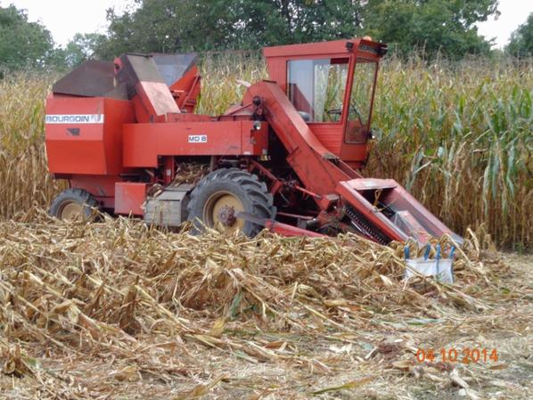 Corn picker Bourgoin GX208