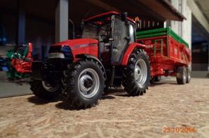 Moisson du maïs chez le voisin Bernard avec le CaseIH CX 100 et la benne cargo CP 120 12.5T