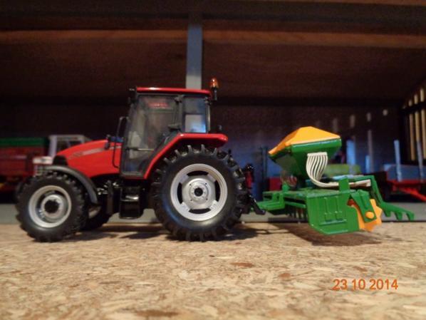 Semis du bléet de l'orge d'hiver chez le voisin Bernard avec le CaseIH CX 100 et le semoir AMAZONE 3m