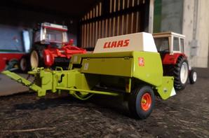 IH 844 s-b et presse Claas Markant 65
