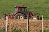 préparation des terres à maïs le 12 mai 2012