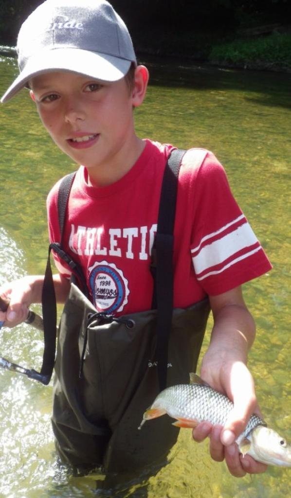 Partie de pêche au leurre pour ados