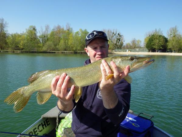 Pêche du brochet en étang privé vers les lacs de la forêt d'Orient
