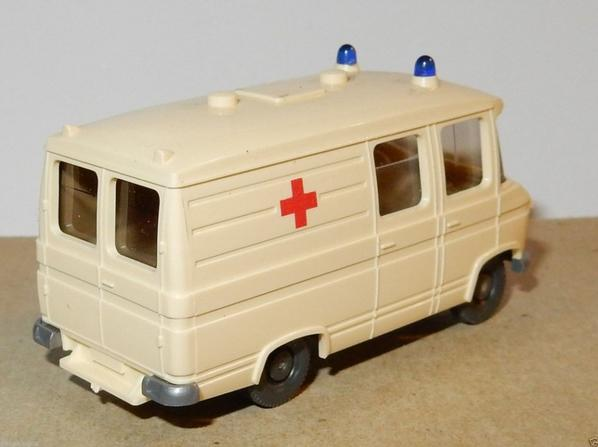 MICRO WIKING HO 1/87 MERCEDES L 406 D VAN AMBULANCE EMERGENCY CROIX ROUGE
