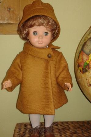 Ma Marie-Françoise porte le manteau de novembre 1967