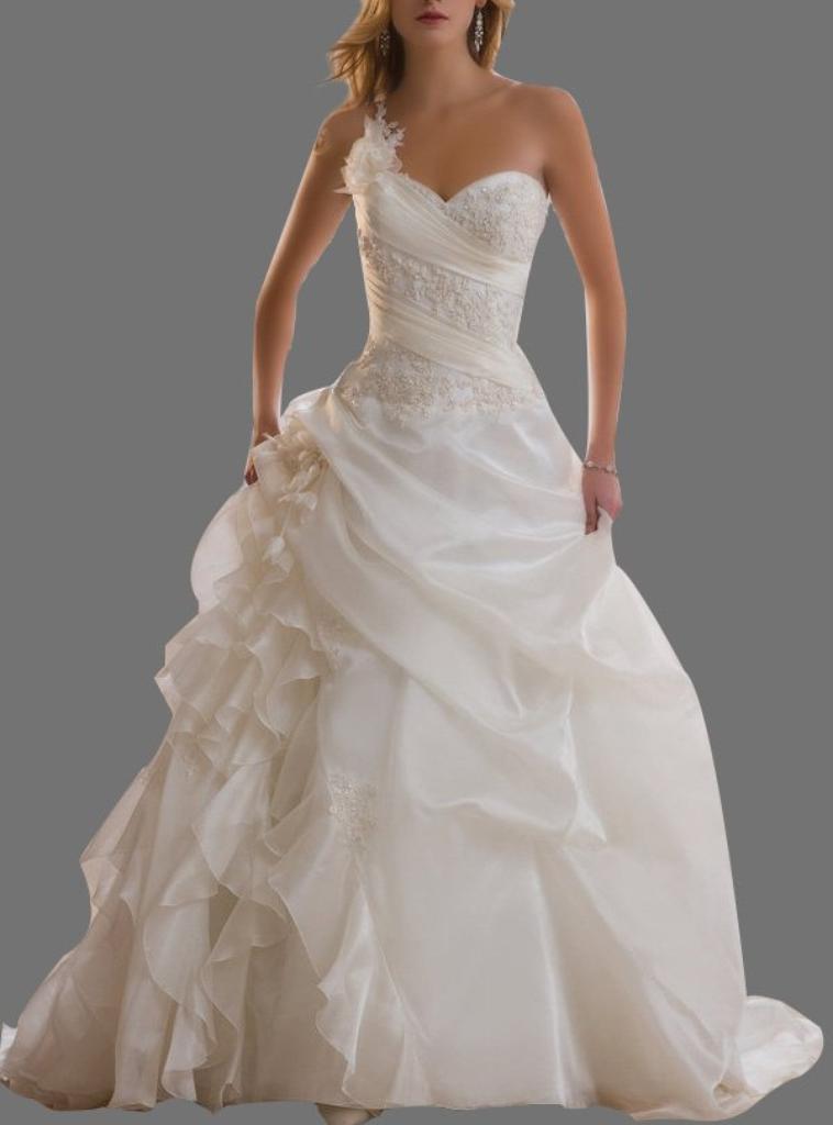 ma robe de mariée et ma coiffure pour mon mariage