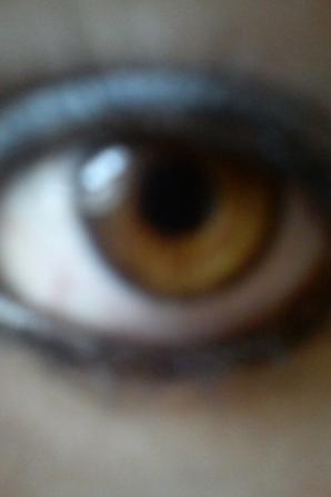 * J'ai les même yeux que mon père, le même regard, le même sang, la même façon d'exprimer se que je ressens par mon regard. Mon sang, ma vie, mon oxygène. Papa <3