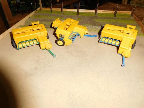 Voici quelques photos pour monrocco89 , Bamford bleu et vert et une modif maison au couleur Massey Ferguson .