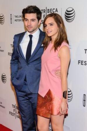 Emma Watson et son ami Roberto Aguire au Festival du film de Tribeca.