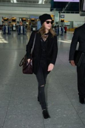 Emma de Retour à Londres.