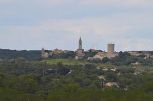 Beau petit village dans les environs du Pont du Gard