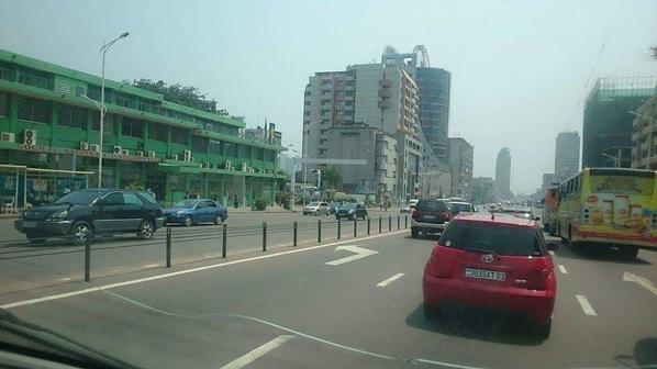 En direct de Kinshasa esika Kabila ye moko à respecter mot d'ordre ya Ville morte.lol