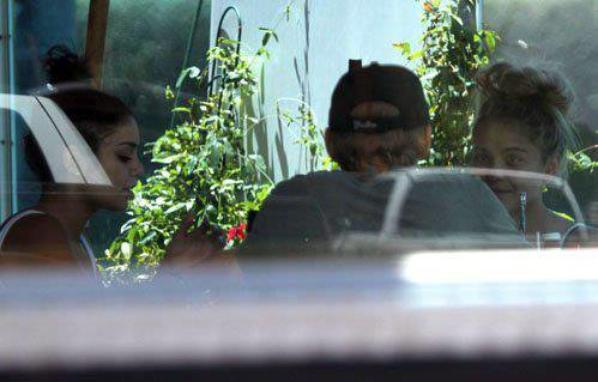 Vanessa,Austin et Stella  !!