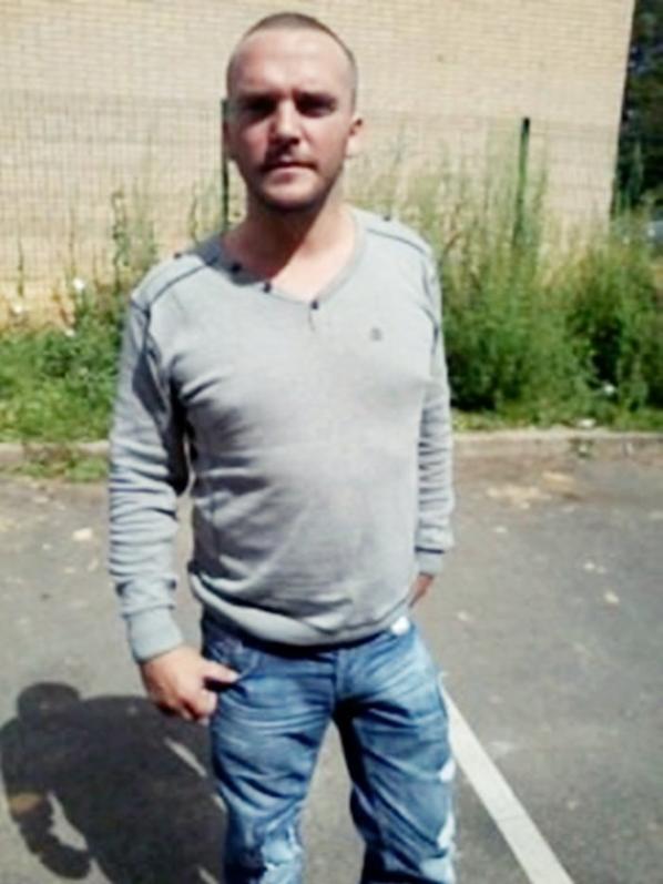 Bonjour , je m'appelle Franck , j'ai 35 ans . Sur ce blog , je recherche des Amitié et si possible y rencontré l'amour. Bisous à tous.