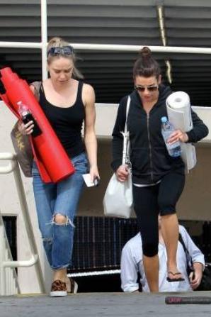 Lea et Becca hier à la sortie d'un cours de Yoga  :)