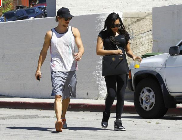 Naya et Ryan à la sortie de la salle de gym hier :)