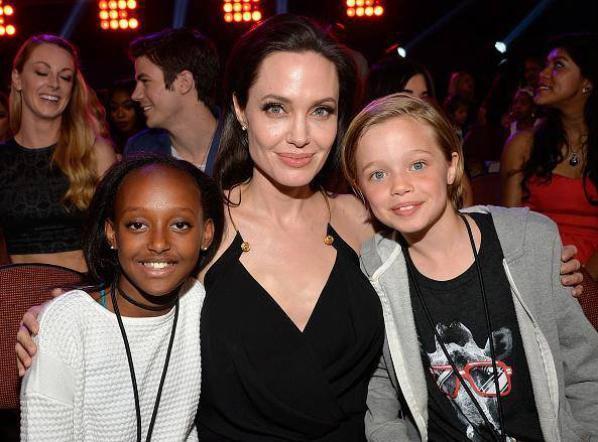Grant sur le red carpet des Kids Choice Awards (installé d'ailleurs derrière Angelina Jolie ) :D