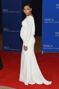 Naya était hier soir à la 101st Annual White House Correspondents Association Dinner :)