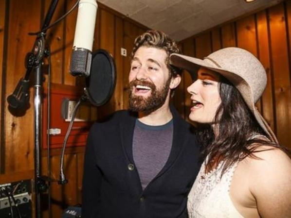 Matthew en studio d'enregistrement pour l'album de Finding Neverland :)