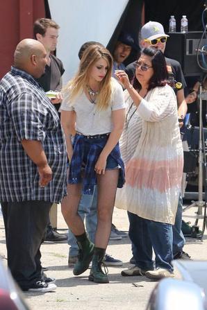 Nouvelles photos de Melissa sur le tournage de Low Riders (16/06/15)