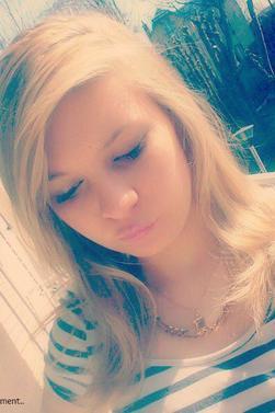 *_*♥ Tu m'a tapée dans l'oeil jte mi sur le coté t'approche pas de mon coeur Boy tu va sautè ..