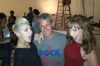 Il y a quelques jours Miley Cyrus a participé à un shooting très spécial. Je vous montre tout de suite toutes ces photos, vous allez voir, la jolie blonde est magnifique !