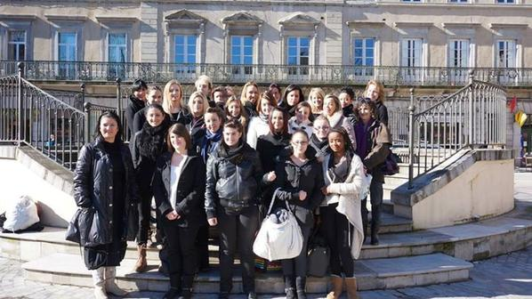 Le GISC a présenté la troisème édition de SORTEZ VOTRE ART,le 4 février 2014,Place Carnot à Carcassonne avec l'école de coiffure et d'esthétique CYBELE et ARLETTE MOUTON(artiste peintre et sculpteur)