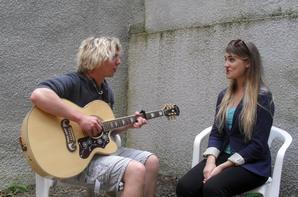 Eliott Griffe et Maïlys à la fête de la musique place Carnot avec le GISC